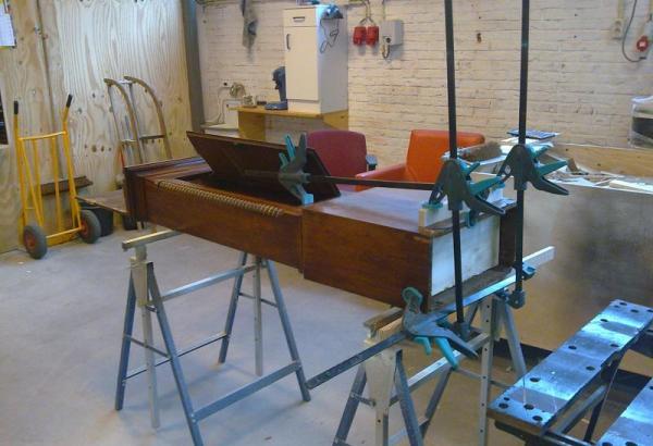 Meubel restauratie in onze werkplaats of aan huis